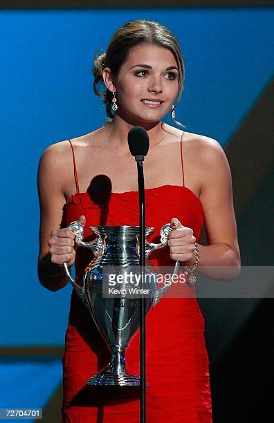 Jessica Rose accepts the award for Big Web Hit onstage during the VH1 Big in '06 Awards held at Sony Studios on December 2 2006 in Culver City...