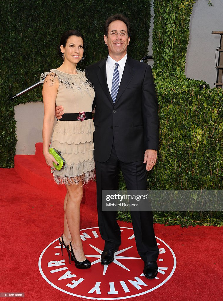 Jessica Seinfeld and Jerry Seinfeld arrive at the 2010 Vanity Fair Oscar Party hosted by Graydon Carter held at Sunset Tower on March 7, 2010 in West Hollywood, California.
