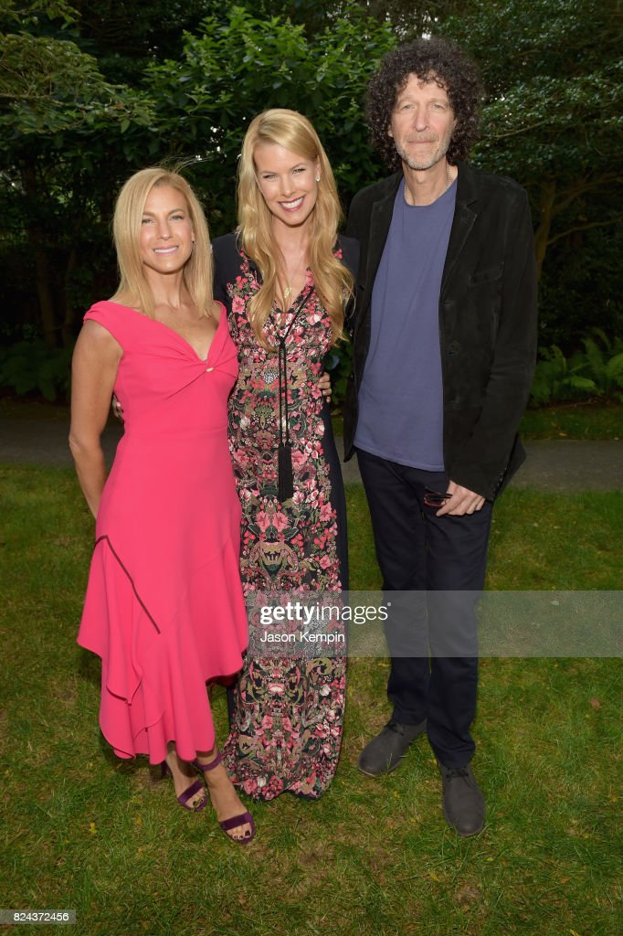 Jessica Seinfeld, Beth Stern and Howard Stern attend The GOOD+ Foundation's Hamptons Summer Dinner co-hosted by NET-A-PORTER on July 29, 2017 in East Hampton, New York.