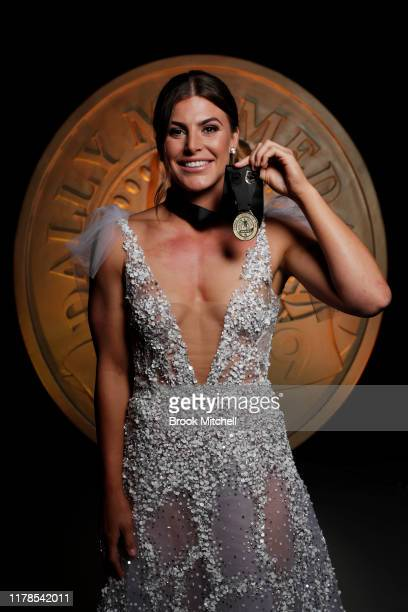 Jessica Sergis poses after winning female player of the year during the 2019 Dally M Awards at Hordern Pavilion on October 02, 2019 in Sydney,...