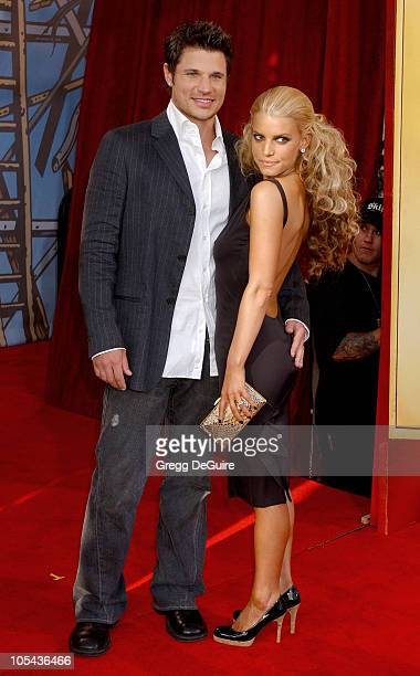 Jessica Simpson and Nick Lachey during 2005 MTV Movie Awards Arrivals at Shrine Auditorium in Los Angeles California United States