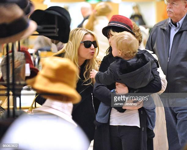 Jessica Simpson Ashlee SimpsonWentz and son Bronx seen leaving Barneys on December 22 2009 in New York City