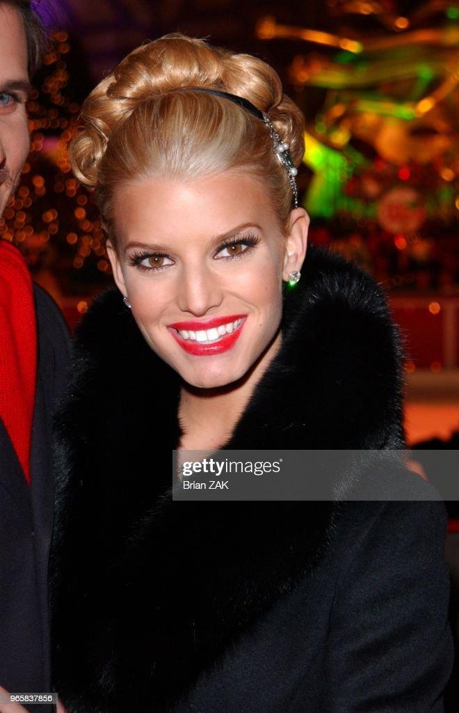 Rockefeller Center Christmas Tree Lighting Ceremony Pictures   Getty ...