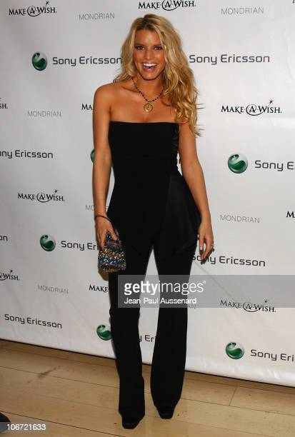 Jessica Simpson during Jessica Simpson and Nick Lachey Host Sony Ericsson T610/T616 Shoot for the Stars Charity Auction to Benefit The MakeAWish...
