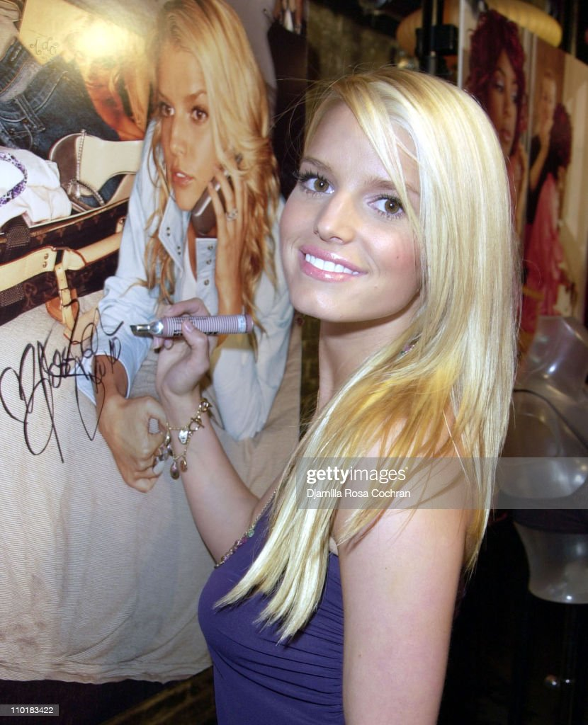 Jessica Simpson, Kelly Rowland and Ali Landry Showcase Their Photographs of