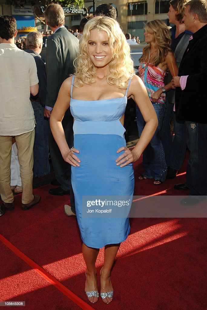 Jessica Simpson during 'The Dukes Of Hazzard' Los Angeles Premiere - Arrivals at Grauman's Chinese Theatre in Hollywood, California, United States.