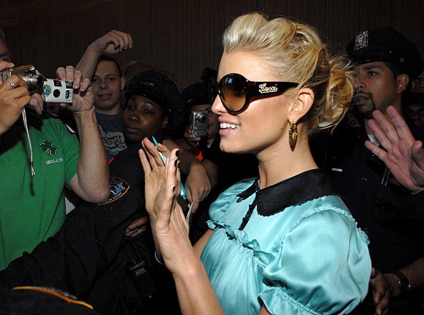 Jessica Simpson Visits MTV s  TRL  Wearing the New Gucci 2927S Fall 06 Ad  Campaign 00a2826016ae