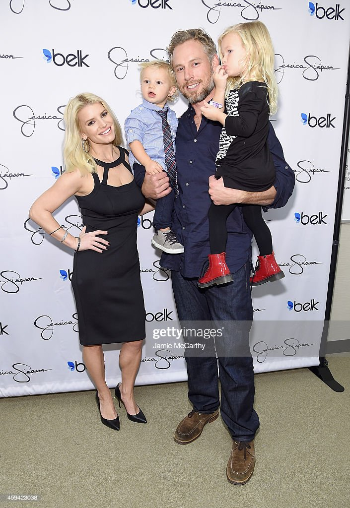 Jessica Simpson And Ashlee Simpson Ross Come Home For The Holidays In Support Of The Jessica Simpson Collection And The Launch Of Jessica Simpson Home At Belk Galleria Dallas : News Photo