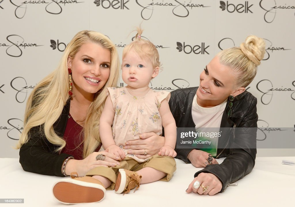 Jessica And Ashlee Simpson Visit Belk Southpark
