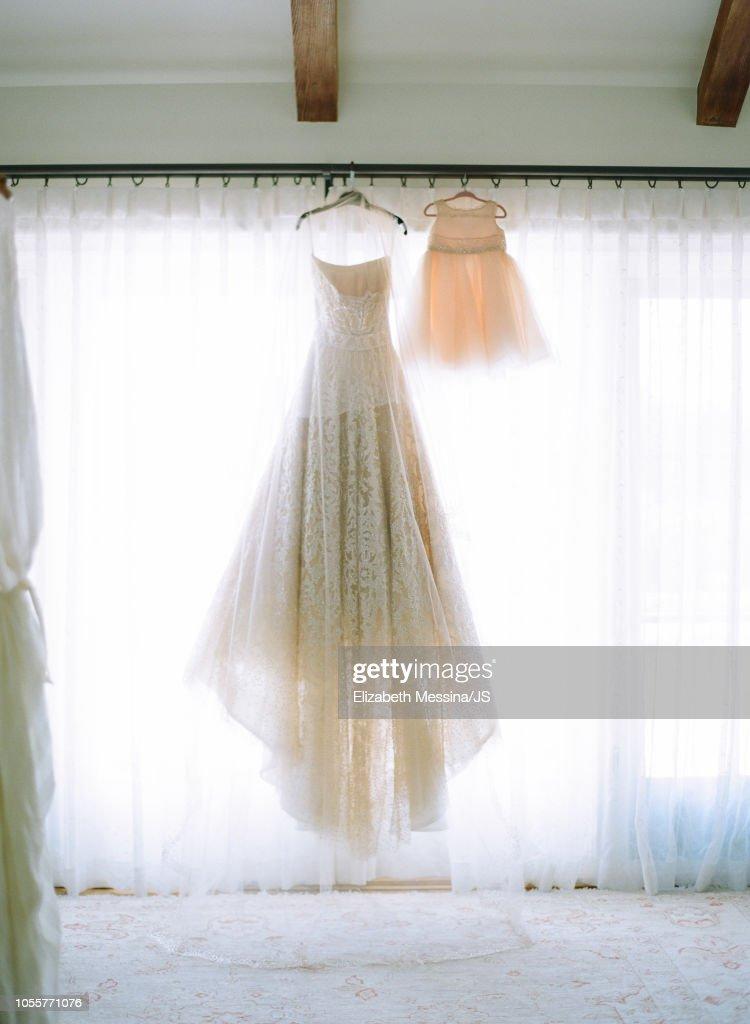 Jessica Simpsons Wedding Dress And Maxwell Johansons Dress Are