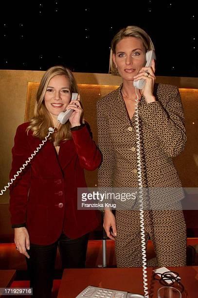 Jessica Stich und Katrin KrabbeZimmermann Während Der Telefonaktion Bei Der JCarreras Benefiz Gala Party In Leipzig Am 141201