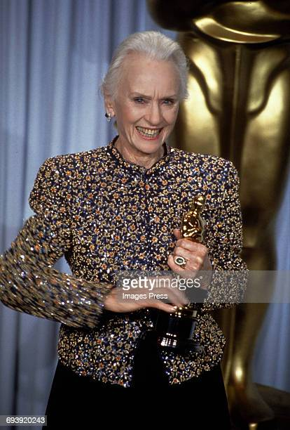 Jessica Tandy attends the 62nd Academy Awards circa 1990 in Los Angeles California