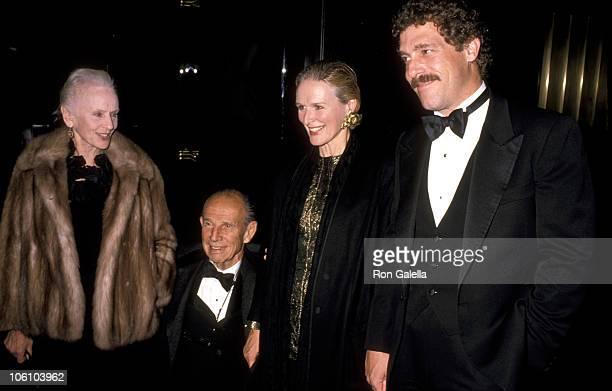 Jessica Tandy Hume Cronyn Glenn Close and John Starke