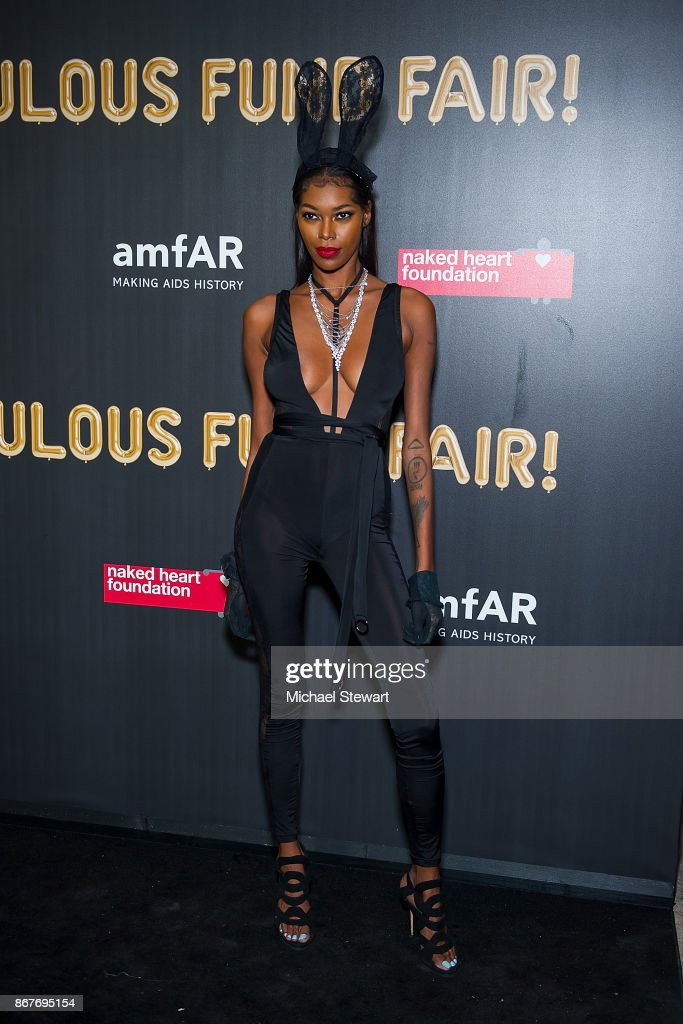 Jessica White attends 2017 amfAR and The Naked Heart Foundation Fabulous Fund Fair at Skylight Clarkson Sq on October 28, 2017 in New York City.