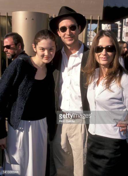 Jessica Wyle , Noah Wyle and Tracy Warbin at the Premiere of 'My Dog Skip', Egyptian Theatre, Hollywood.