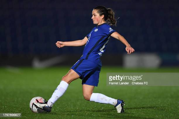 Jessie Fleming of Chelsea runs with the ball during the UEFA Women's Champions League round of 32 second leg match between FC Chelsea Women and SL...