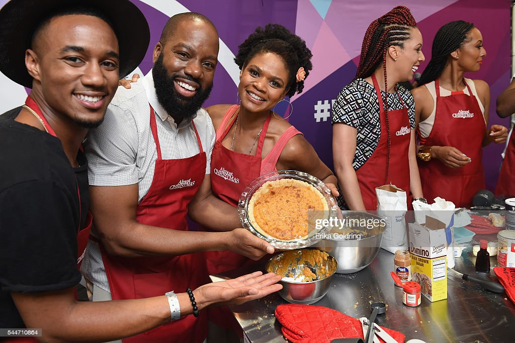 Almost Christmas Jessie Usher.Jessie Usher David Talbert And Kimberly Elise Pose For A