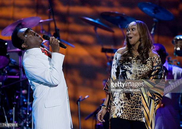 Jessy Dixon and Yolanda Adams perform during the Library Of Congress Gershwin Prize For Popular Song Gala at the Warner Theater May 23 2007 in...