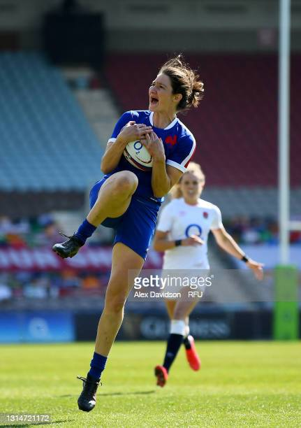 Jessy Trémoulière of France takes a high ball during the Women's Six Nations match between England and France at The Stoop on April 24, 2021 in...