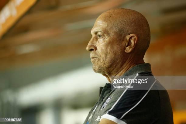 Jesualdo Ferreira coach of Santos looks on during a Group G match between Santos and Delfin as part of Copa CONMEBOL Libertadores 2020 at Vila...