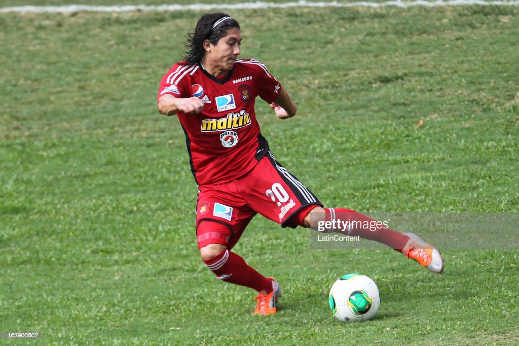 Jesus Chiki Meza of Caracas FC in action during the match between Real Esppor Club and Caracas FC at Brigido Iriarte Stadium on March 17, 2013 in Caracas, Venezuela.