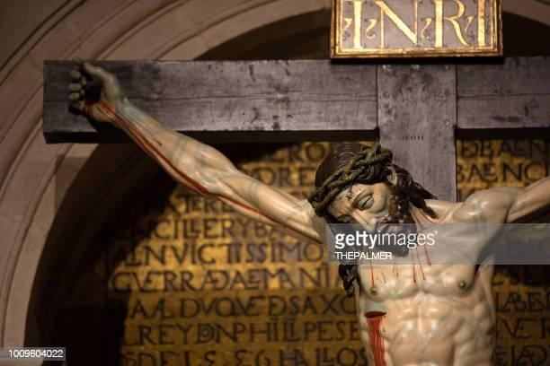 jesus christ cathedral of zamora, spain - cruz de cristo imagens e fotografias de stock