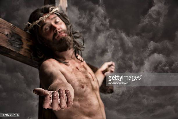 jesus christ on the cross - the crucifixion stock pictures, royalty-free photos & images