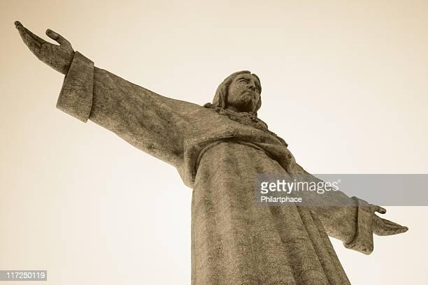 gesù cristo - statua di cristo re foto e immagini stock