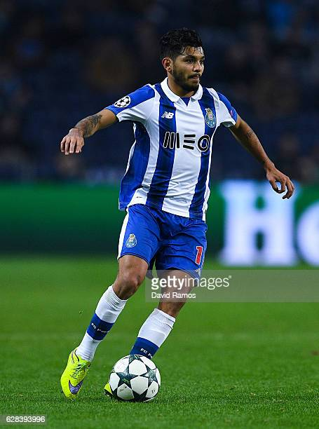 Jesus Corona of FC Porto runs with the ball during the UEFA Champions League match between FC Porto and Leicester City FC at Estadio do Dragao on...