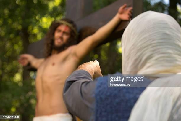 jesús crucifixion - los siete pecados capitales fotografías e imágenes de stock