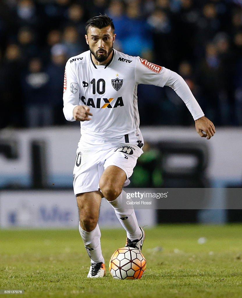 Racing Club v Atletico Mineiro - Copa Libertadores 2016