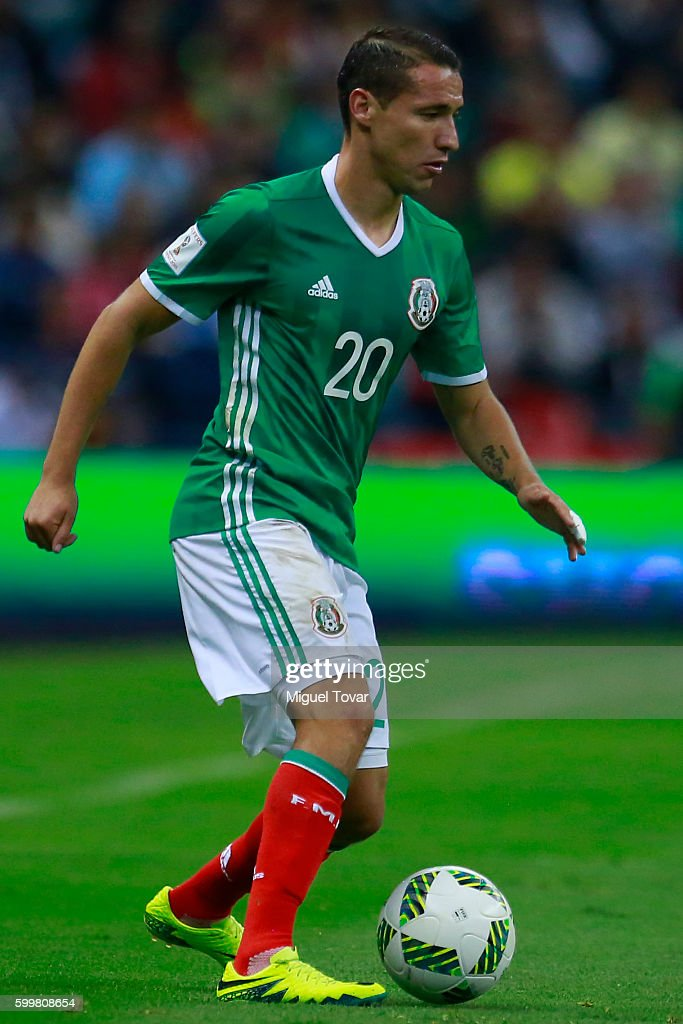 Jesus Duenas of Mexico drives the ball during a match between Mexico and Honduras as part of FIFA 2018 World Cup Qualifiers at Azteca Stadium on September 06, 2016 in Mexico City, Mexico.