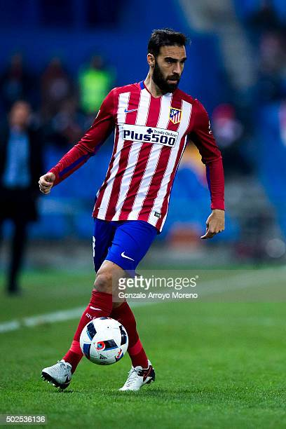 Jesus Gamez of Atletico de Madrid controls the ball during the Copa del Rey Round of 32 match between Club Atletico Madrid and CF Reus Deportiu at...