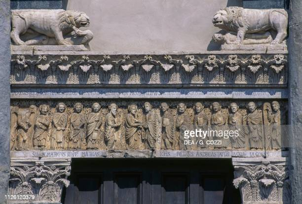 Jesus giving his commandments to the Apostles or the Incredulity of Thomas by Gruamonte relief on the architrave of the portal San Bartolomeo in...