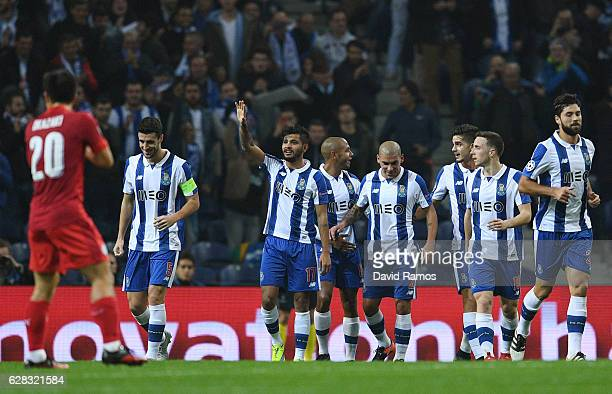 Jesus Manuel Corona of FC Porto celebrates scoring his sides second goal with his FC Porto team mates during the UEFA Champions League Group G match...