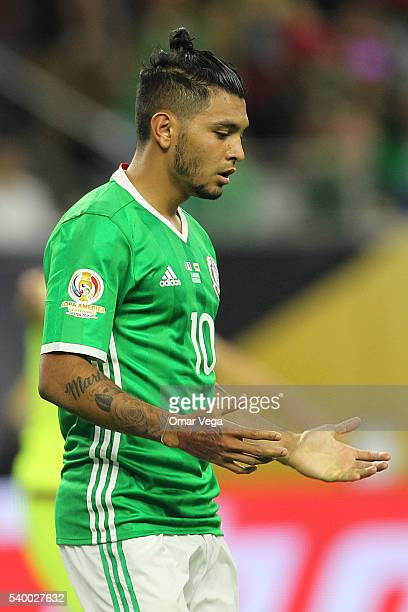 Jesus Manuel Corona of Mexico gestures during a group C match between Mexico and Venezuela at NRG Stadium as part of Copa America Centenario US 2016...