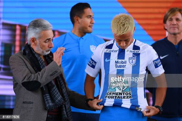 Jesus Martinez President of Pachuca presents Keisuke Honda of Pachuca during a press conference to unveil Pachuca's new signings at Universidad del...