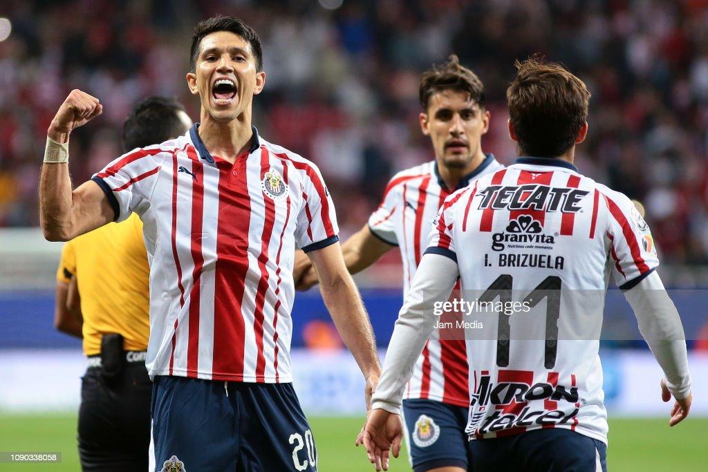 Chivas v Tijuana - Torneo Clausura 2019 Liga MX : Fotografía de noticias