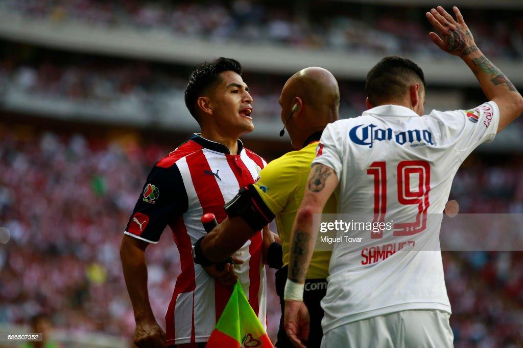Chivas v Toluca - Playoffs Torneo Clausura 2017 Liga MX : Fotografía de noticias