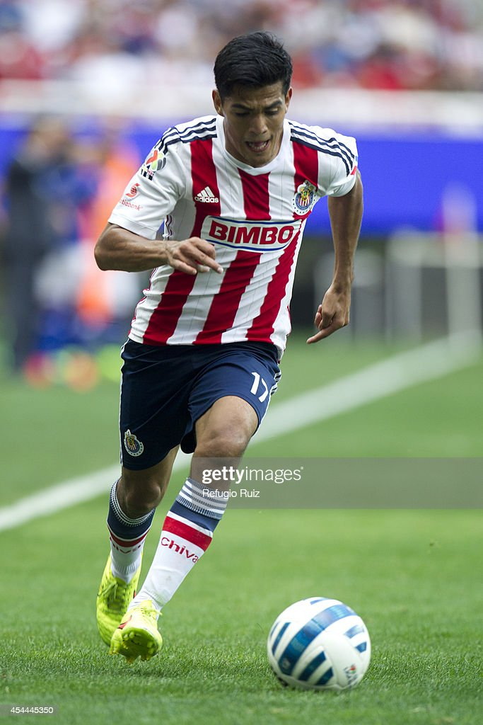 Jesus Sanchez of Chivas controls the ball during a match between Chivas and Cruz Azul a as part of Apertura 2014 Liga MX at Omnilife Stadium on August 31, 2014 in Guadalajara, Mexico.
