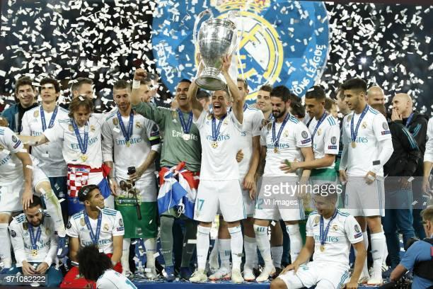 Jesus Vallejo of Real Madrid Daniel Carvajal of Real Madrid Luka Modric of Real Madrid Achraf Hakimi of Real Madrid Sergio Ramos of Real Madrid...