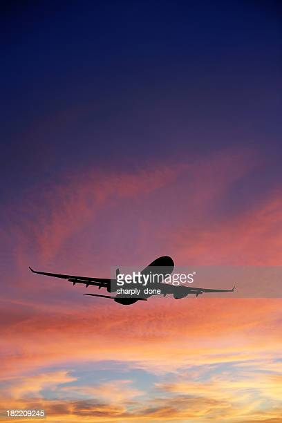 XXXL Avion à réaction décoller au coucher du soleil