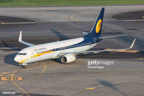 jet airways boeing 737-800 - boeing stock pictures, royalty-free photos & images