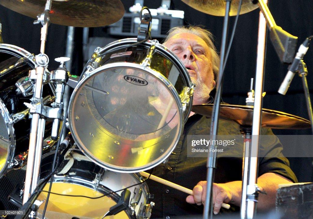 Glastonbury Festival - Day 2 : News Photo