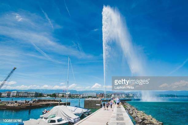Jet d'Eau fountain and Geneva harbour