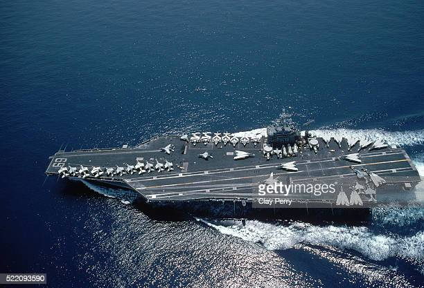 jet fighters on aircraft carrier - 航空母艦 ストックフォトと画像
