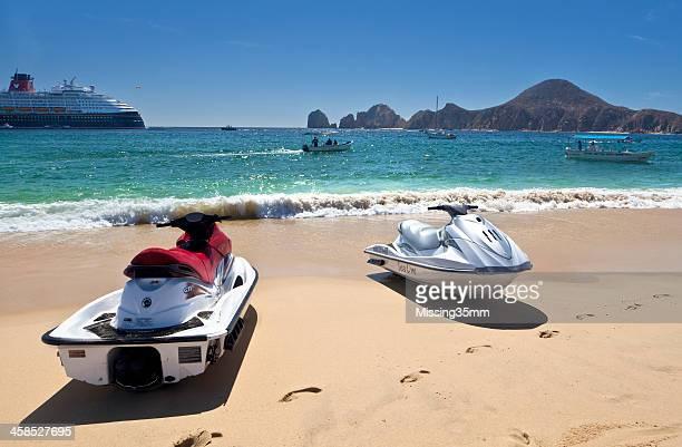 Des Jet-Skis à louer au bord de la plage El Médano très prisée, Cabo San Lucas