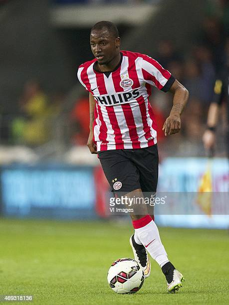 Jetro Willems of PSV during the Dutch Eredivisie match between PSV Eindhoven and PEC Zwolle at the Phillips stadium on April 10 2015 in Eindhoven The...