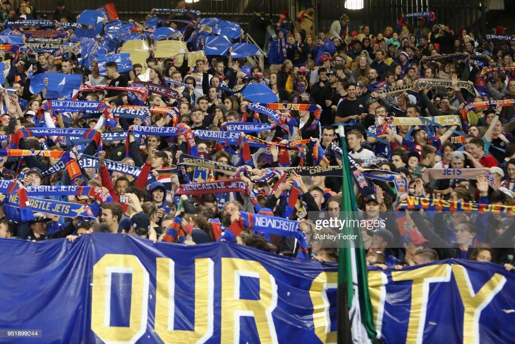 A-League Semi Final - Newcastle v Melbourne City : News Photo