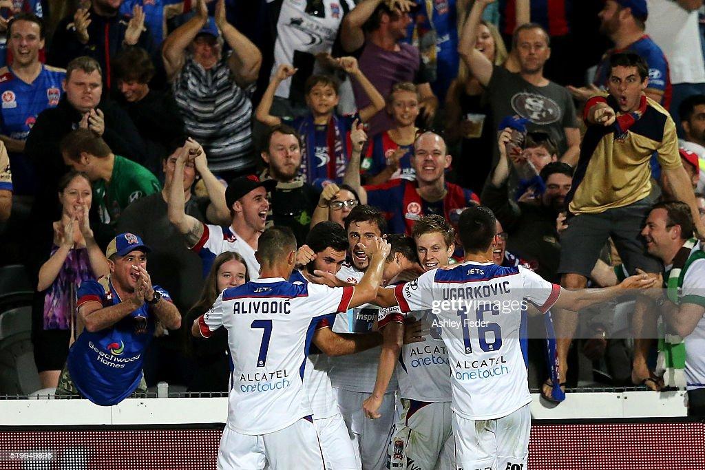 A-League Rd 27 - Central Coast v Newcastle : News Photo